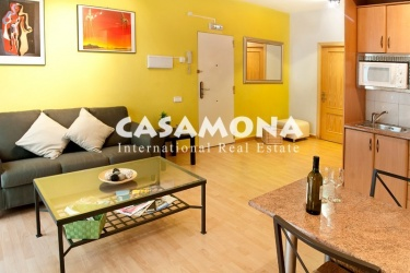 Lovely and Bright 2 Bedroom with Lift in Gotic