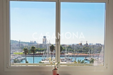 Modern Bright, Spacious Apartment for Sale with Views of the Harbour