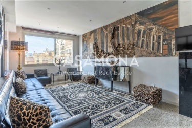 Luxurious, Unique and Quirky 1 Bedroom Apartment Close to Arc de Triomf