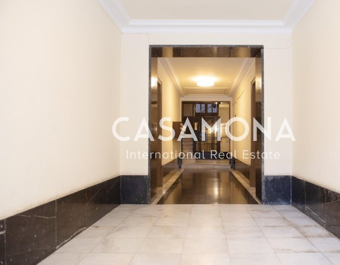 Unique Opportunity for Investment - 4 Bedroom Apartment Located in Eixample Dreta