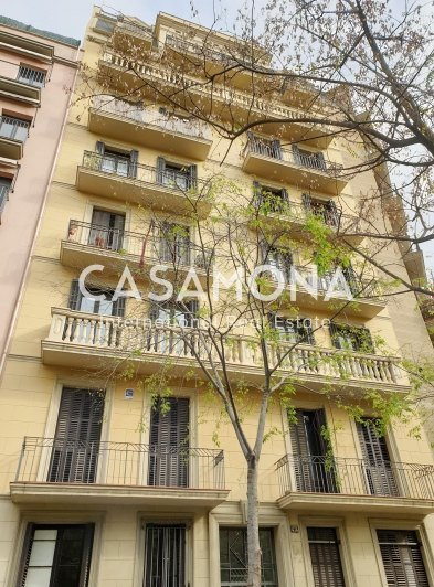 Unique Investment Opportunity - 3 Bedroom Apartment in Sagradia Familia