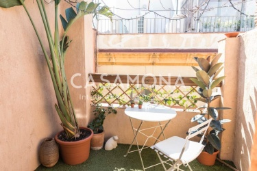 Bright and Charming Studio Apartment in El Born