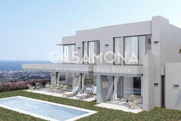 Magnificent Opportunity in Marbella- Villa in Mijas