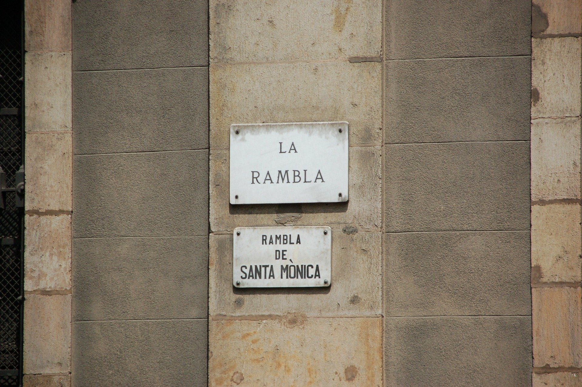Think Twice About Living in El Raval 3 Think Twice About Living in El Raval