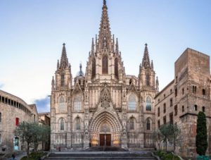 Why Now is the Time to Invest in Barcelona 1 Why Now is the Time to Invest in Barcelona