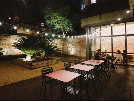 The Best Outdoor Dining to Enjoy This Spring in Barcelona. 5 The Best Outdoor Dining to Enjoy This Spring in Barcelona.