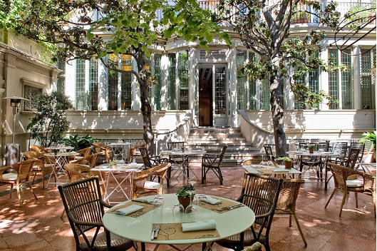 The Best Outdoor Dining to Enjoy This Spring in Barcelona. 6 The Best Outdoor Dining to Enjoy This Spring in Barcelona.